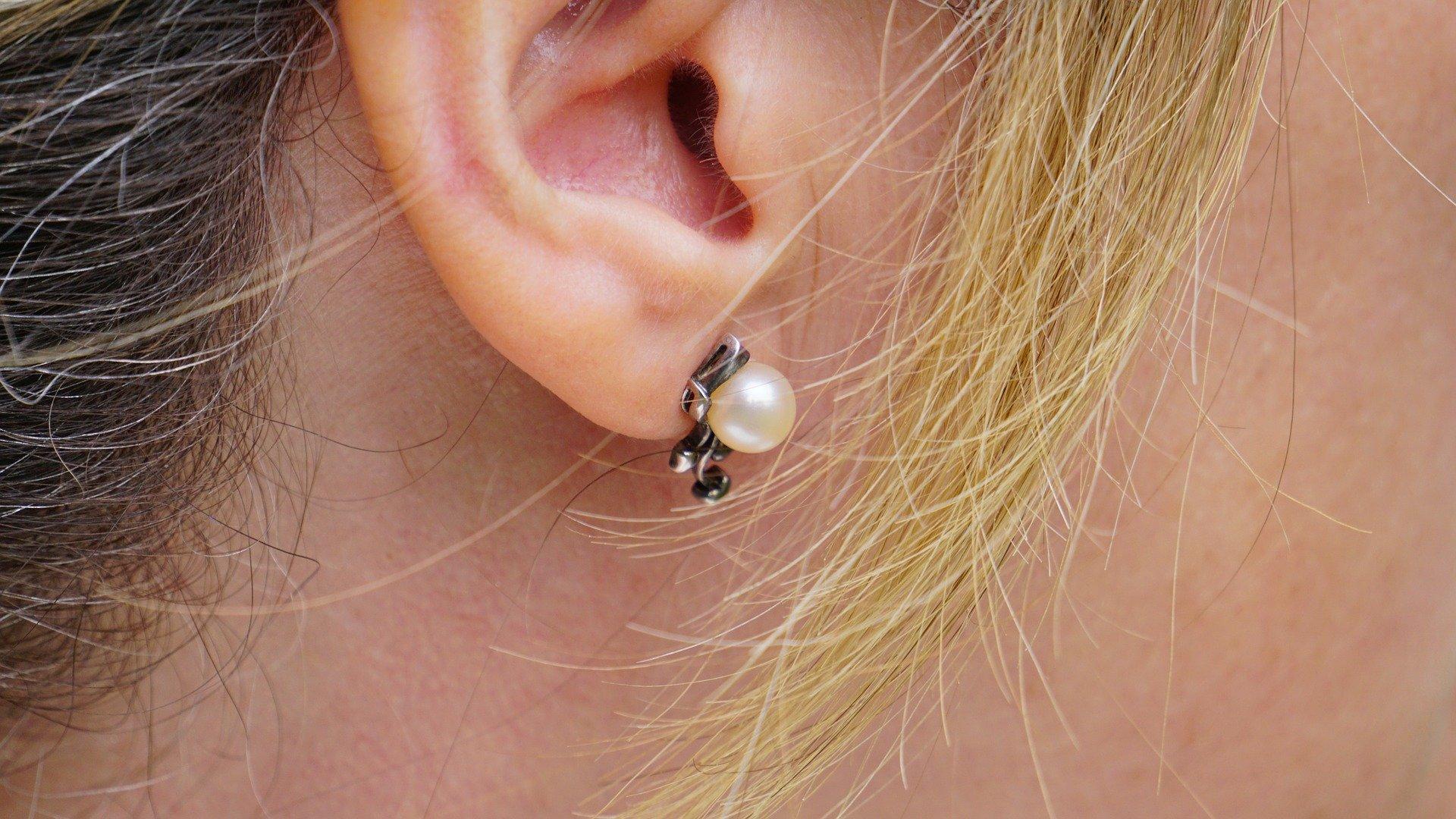 earring-1451014_1920