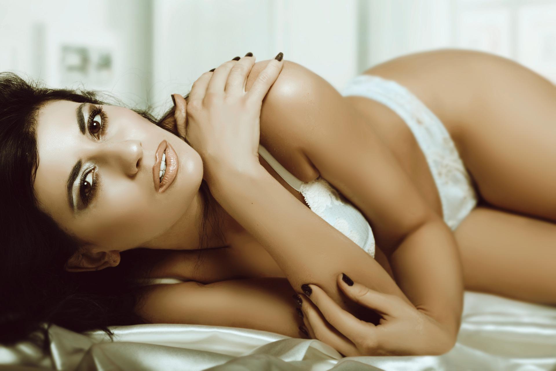 sexy-4895142_1920